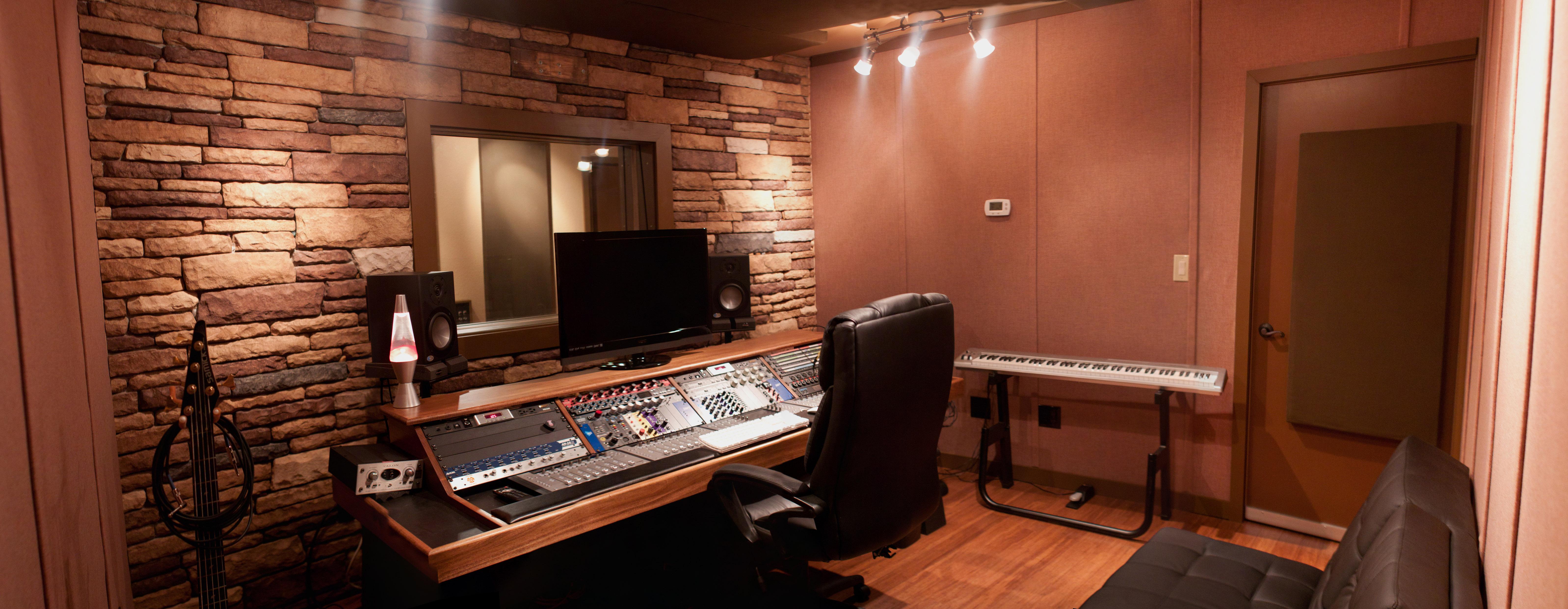 Blue sky blog archive stonewall studio suburban for Garage with studio